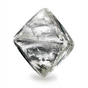 Krystal surového diamantu snubní prsteny